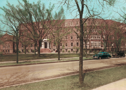 View of the campus after additions made in the 1940s.
