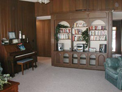 A variety of books, magazines, and music CD's are available for guests to enjoy during their stay. On occasion, local pianists provide holiday music.