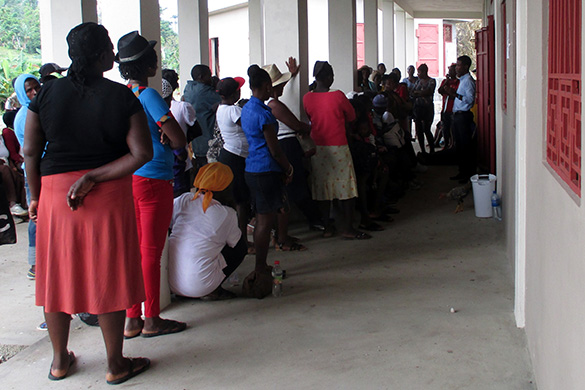 patients waiting to be seen at Haiti clinic