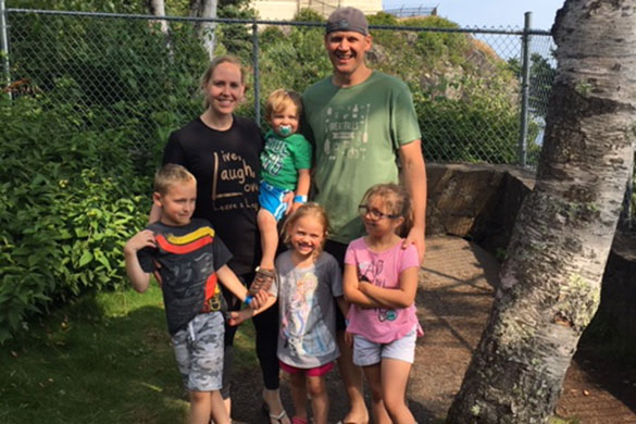chad and bobbi thury with their four children