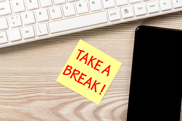 take a break on post-it by phone and keyboard